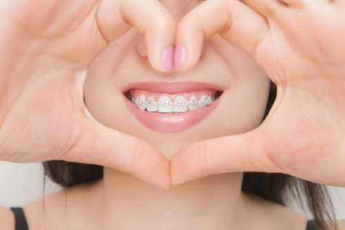 兒童吮手指對牙齒發育有
