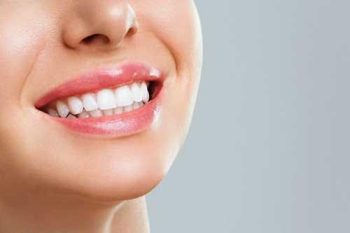 牙齒不齊是什麽原因引起的